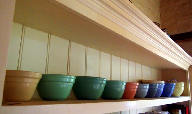 Collected Australian bowls by Fowler and Hoffman.