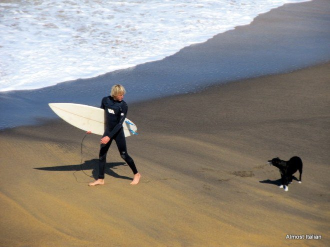 I'm going surfing: you wait here