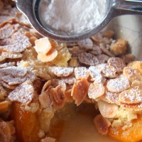 Apricot and Almond Summer Crumble