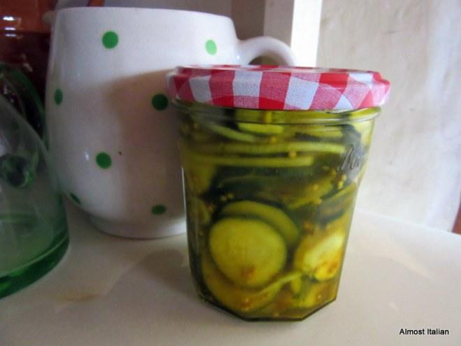 Zucchini pickle alla Stephanie Alexander.