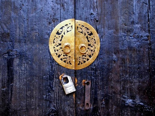 door circle-001