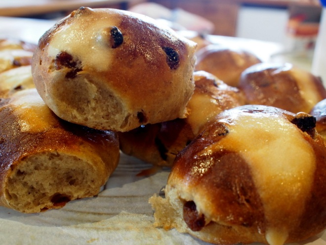 Trad Hot Cross Buns
