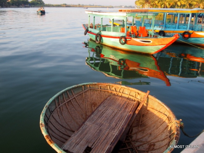 Morning boats along the Thu Bon, including a round Thing Chai boat, similar to a Coracle.