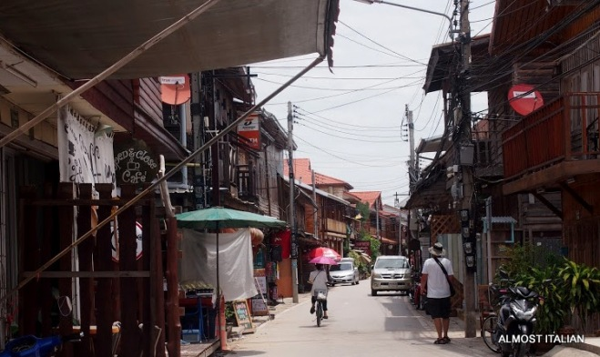 Streetscape, Chiang Khan