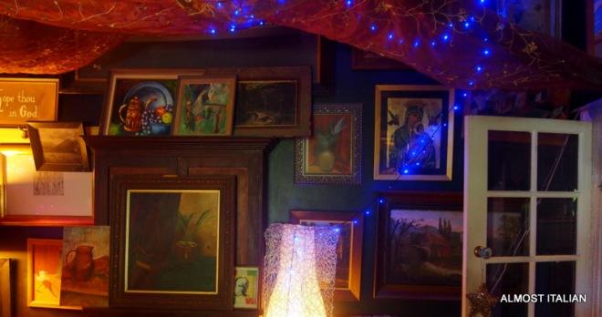 Art and Bling. Living room.