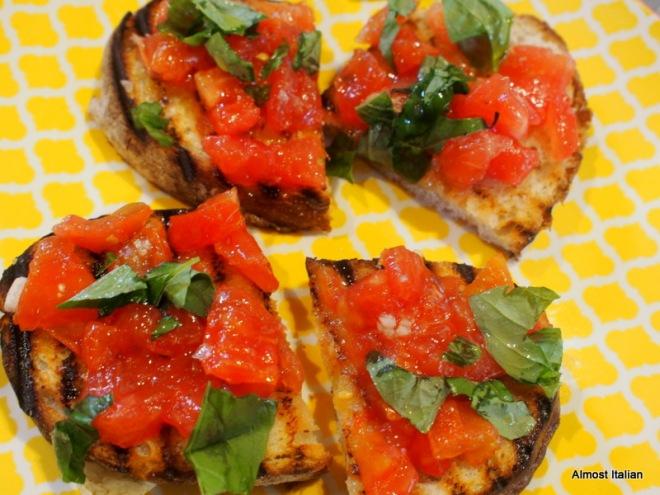 Small bites of Brushcetta con Pomodori
